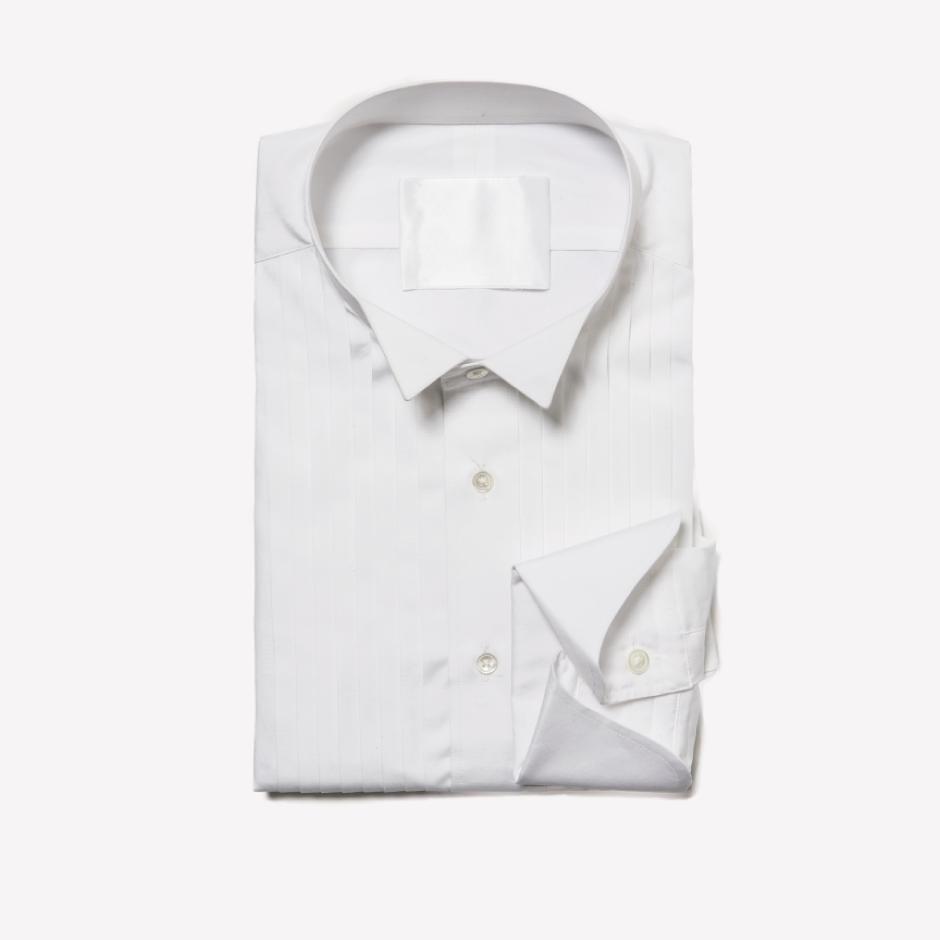 ウィングカラーのタキシードシャツ