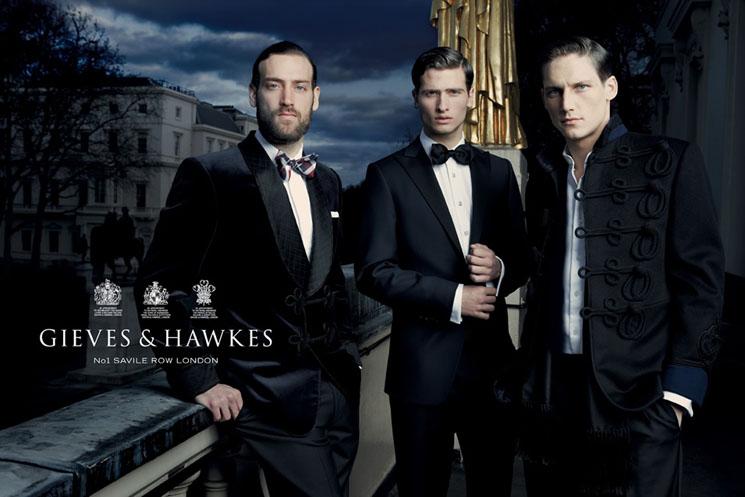 ギーブス&ホークスのタキシードの写真です