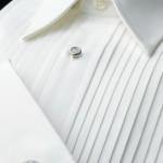 新郎が着用するオーダータキシードのシャツ