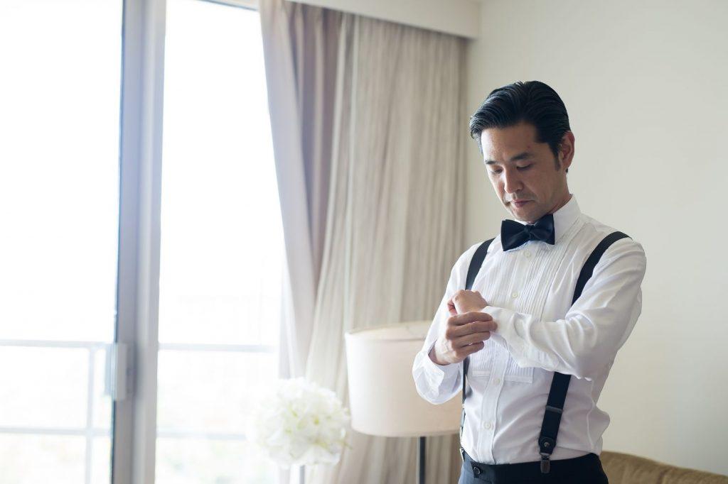 ハワイで結婚式を挙げる新郎のオーダーメイドタキシードのシャツ
