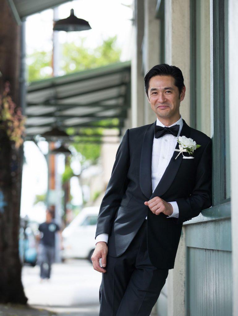 ハワイで結婚式を挙げる新郎のオーダーメイドタキシード